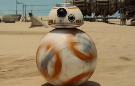 Fã reproduz BB-8, de Star Wars, com robô esférico e ímãs